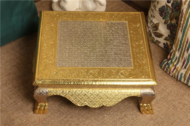 GOLDEN SILVER JHALAR 18X18