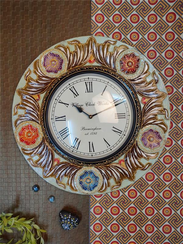 OFFWHITE  & BROWN FLOWER DESIGN WALL CLOCK 16X16X10