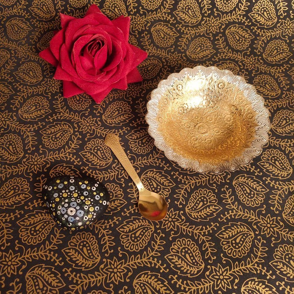FLOWER DESIGN TWO-TONE  BOWL WITH SPOON BRASS