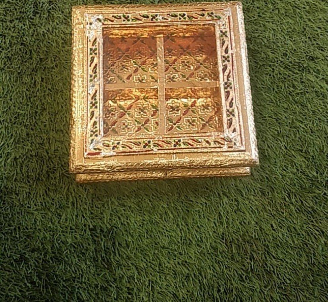 HANDCRAFTED WOODEN MINA DRY FRUIT BOX 8X8