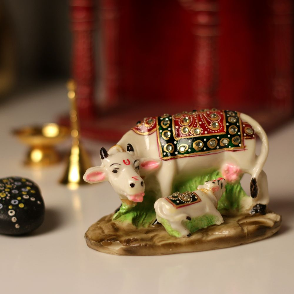 SMALL COW-CALF DESIGNER SET ON MARBLE DUST